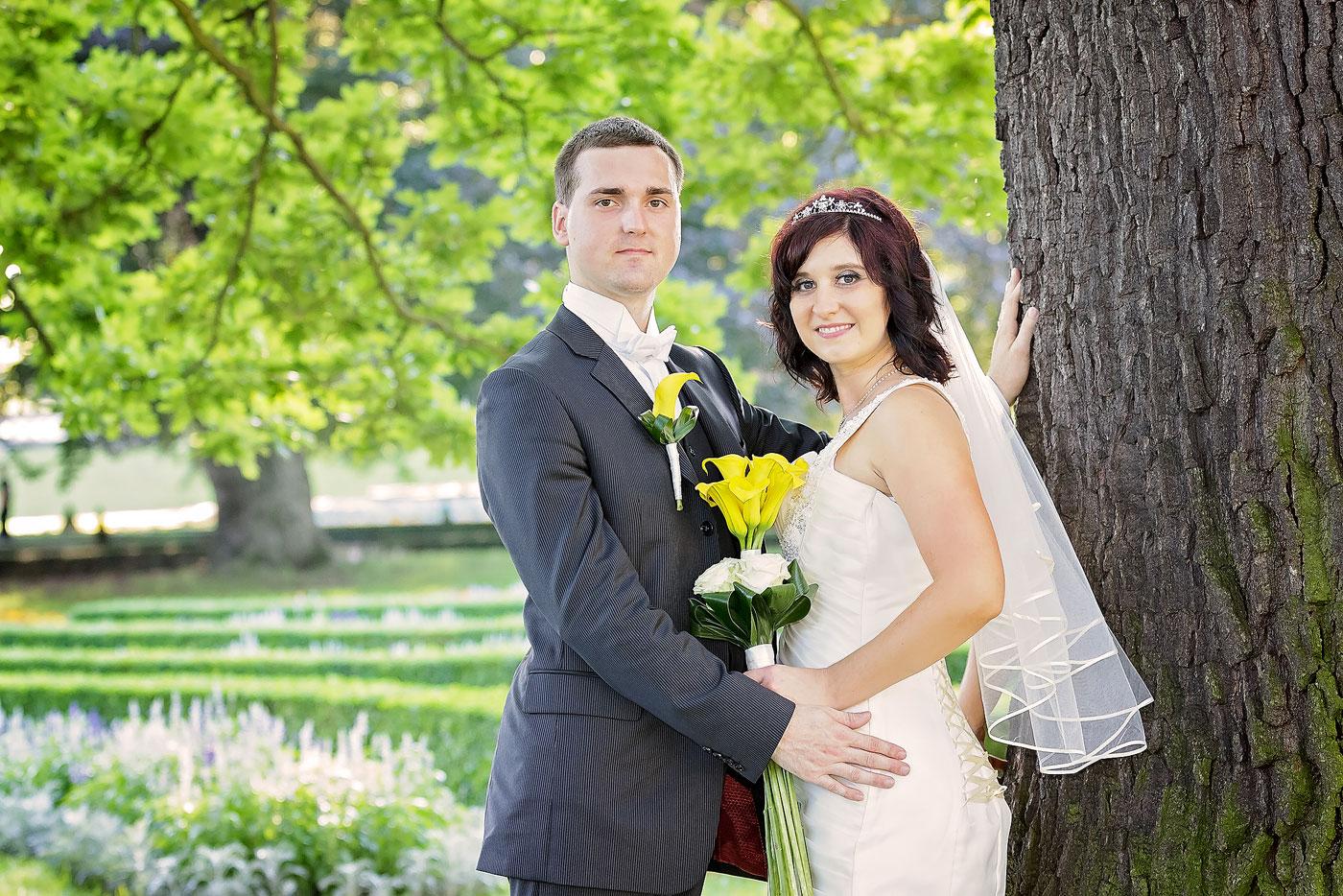 Svatební portrét ženich a nevěsta