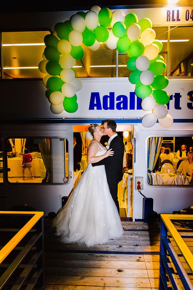 Svatba na lodi - svatební fotograf České Budějovice