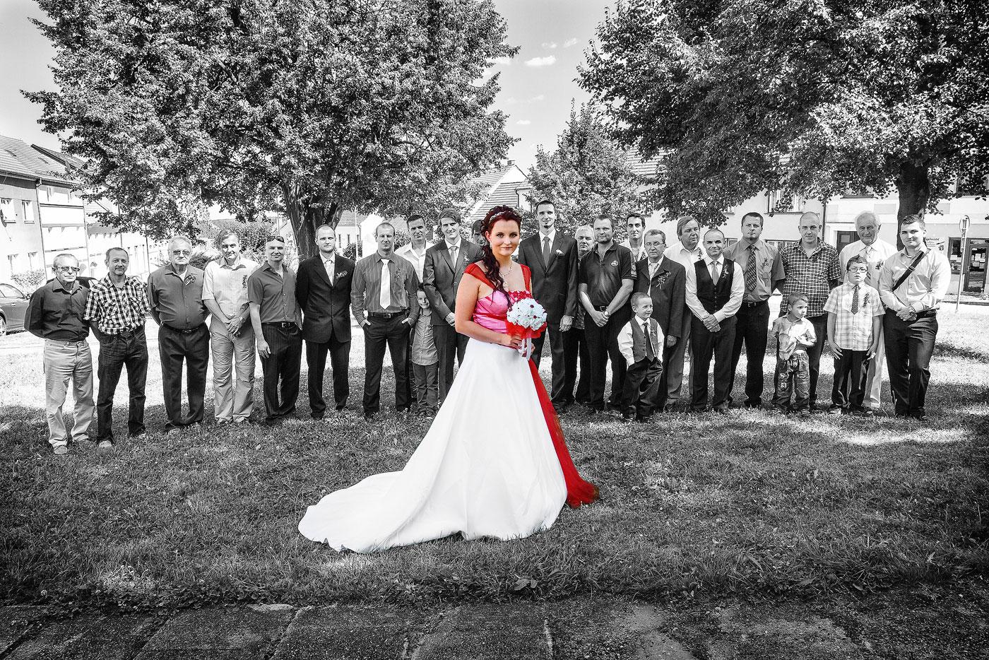 Svatební skupinové foto - svatební fotograf Daniel Rataj